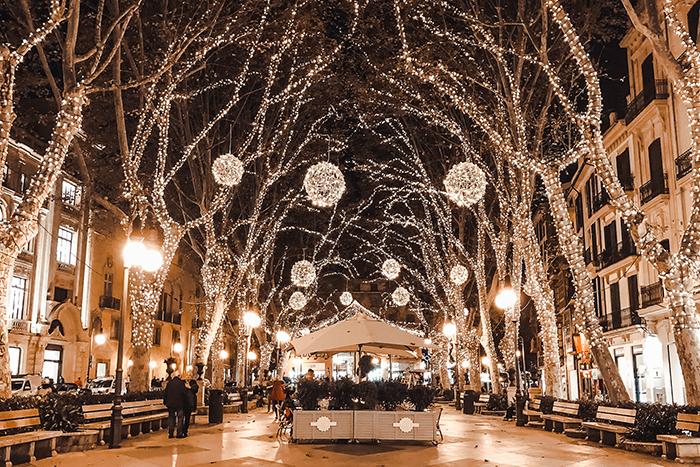 christmas lights paseo del borne palma de mallorca