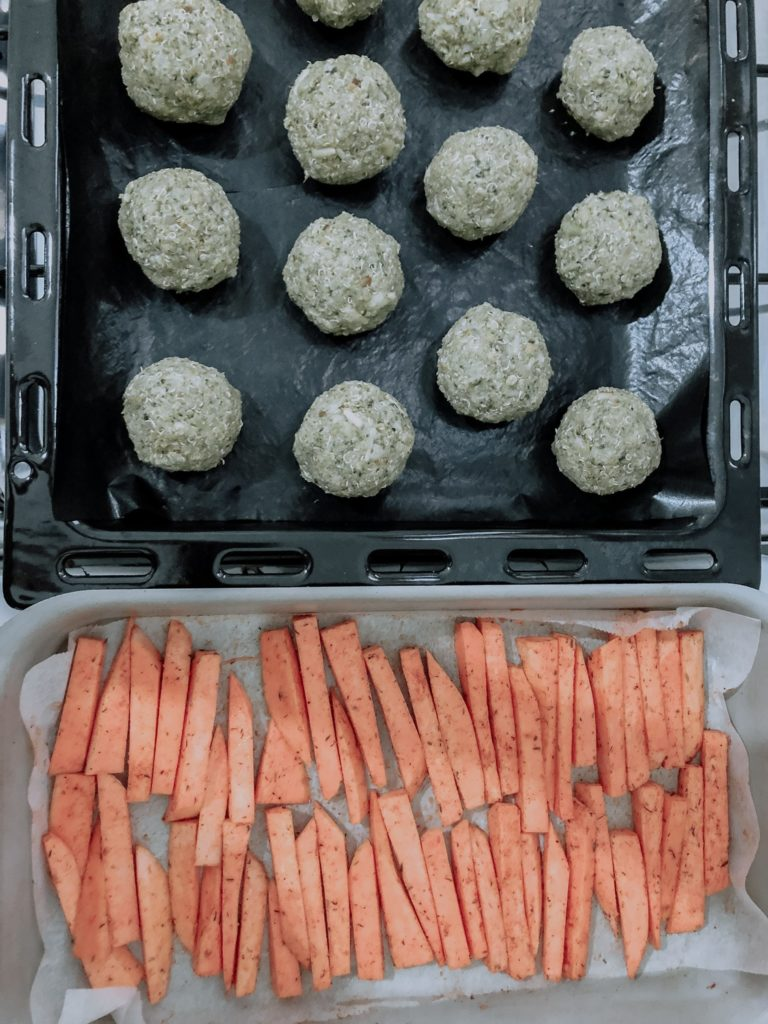 Quinoa and brocolis balls, sweet potatoes fries